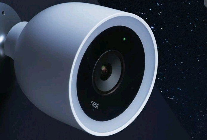 10 Reasons to Buy a Smart Home Security Camera